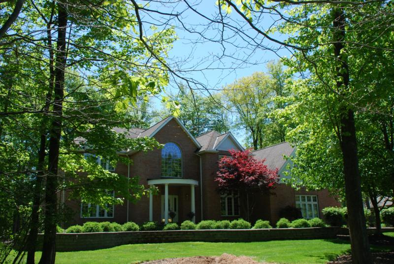 Homes on 1 acre wooded lots in Chagrin Highlands