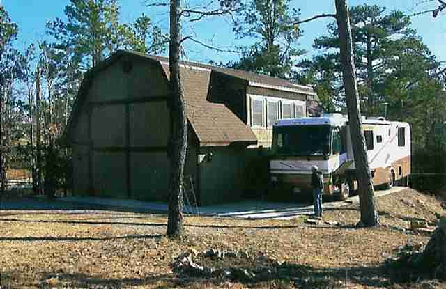 Rv barn on small acreage near lake norfork and mountain for Rv barns