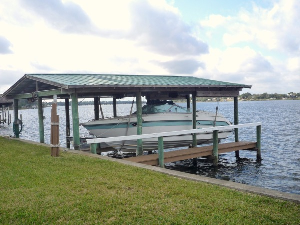 SEABSTIAN RIVERFRONT HOME FOR SALE, SEBASTIAN FLORIDA, 2 MILES FROM DOCK TO OCEAN