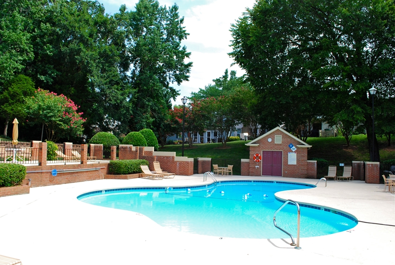 Carmel Hollow townhomes pool