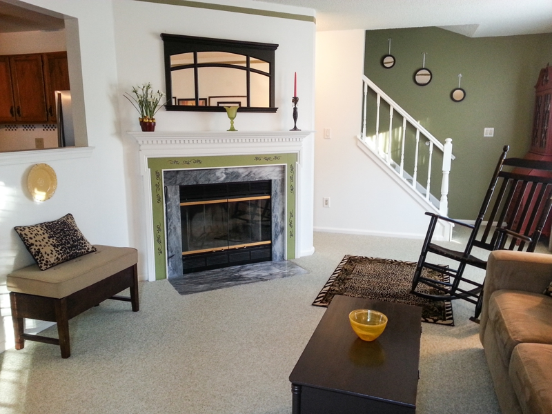 662 Steeplechase Deptford NJ living room