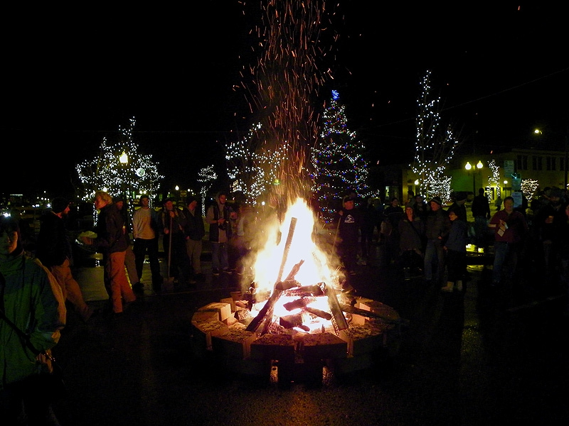 Bonfire on Main Street for the Sandpoint Winter Carnival