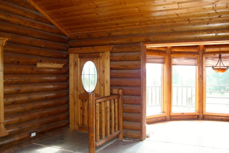 . 4 Bedroom Log Cabin on 5 Acres in Flagstaff
