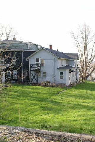 420 E 6th Street Davenport Iowa by Lucky Lang qcfsbr.com