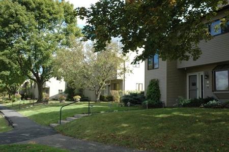Ridgewood estates townhomes south burlington vt real for Cabins burlington vt