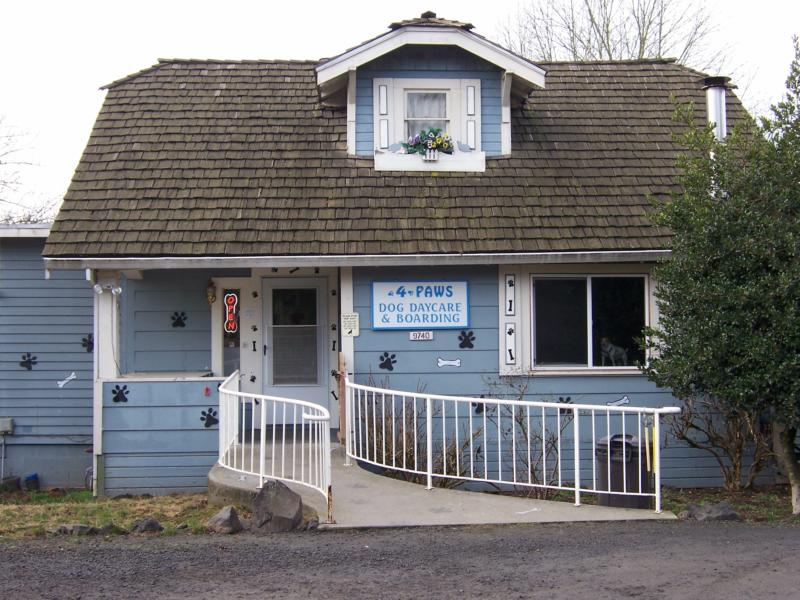 4 Paws Dog Daycare & Boarding