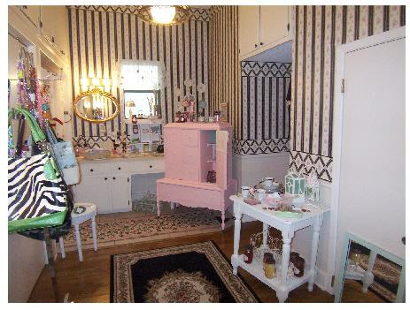 Shabby Chic and More at Diva Valentine Boutique & Bistro in Round ...