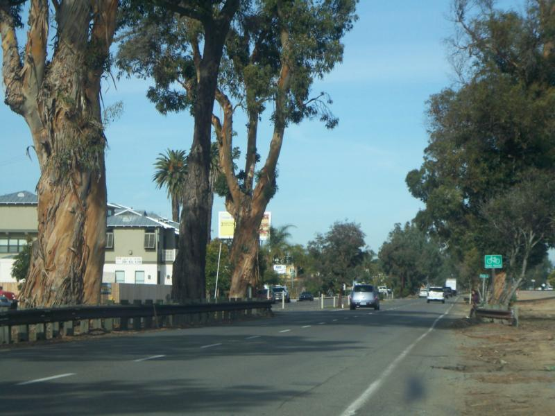 The Coast Highway heading North through Leucadia (Encinitas) California