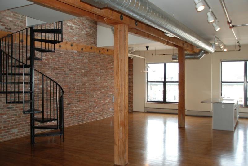 Loft for rent in denver colorado street car stables for 3 bedroom lofts