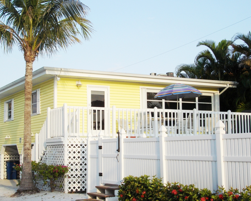 Yellow Beach Cottage