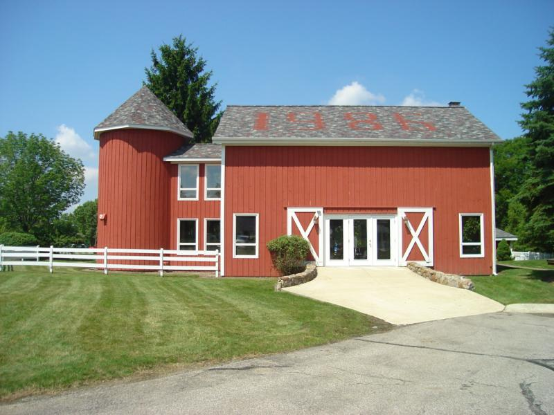 macintosh farms barn