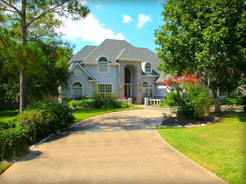 Just Listed 1004 Pine Hollow Friendswood Tx