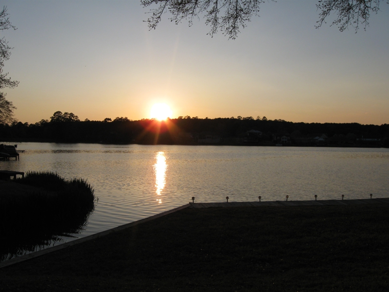 Beautiful sunset in Elkins Lake Real estate, huntsville tx homes for sale, free golf