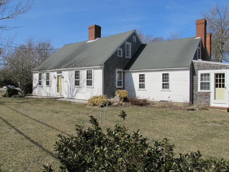 Antique home for sale in dennis cape cod for Cape style homes for sale