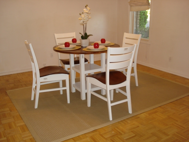 how to stage a dining room table | How do you Stage a dining room?