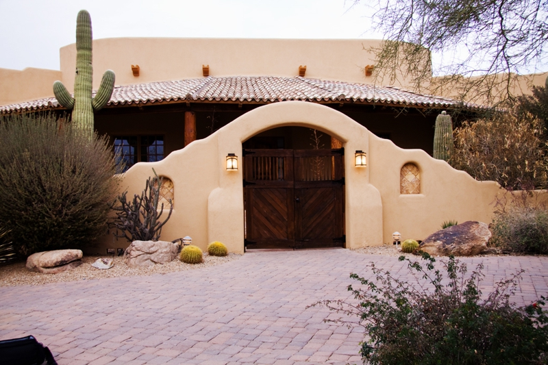 Spectacular sante fe style home in north scottsdale for sale for Santa fe style homes