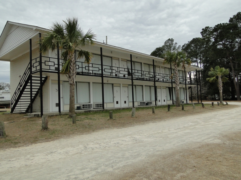 Motel for sale on Lake Marion, SC