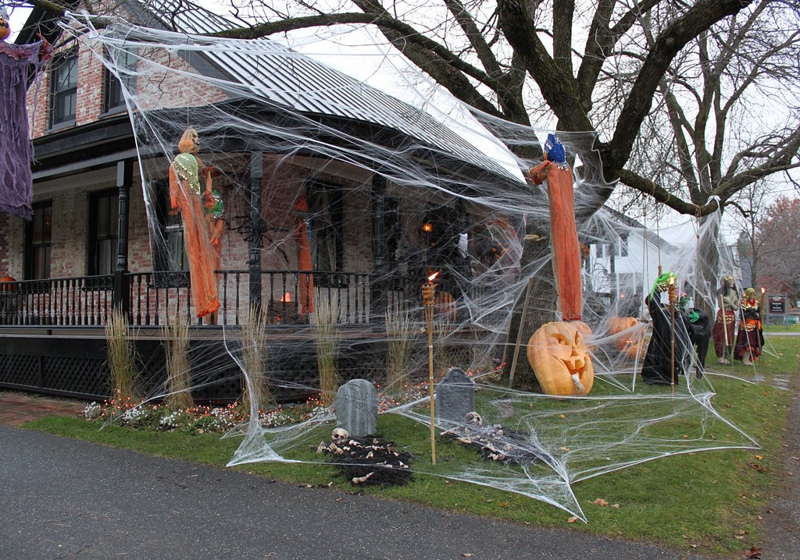 it stowe vermont best decorated house by teresa merelman - Best Decorated Houses For Halloween