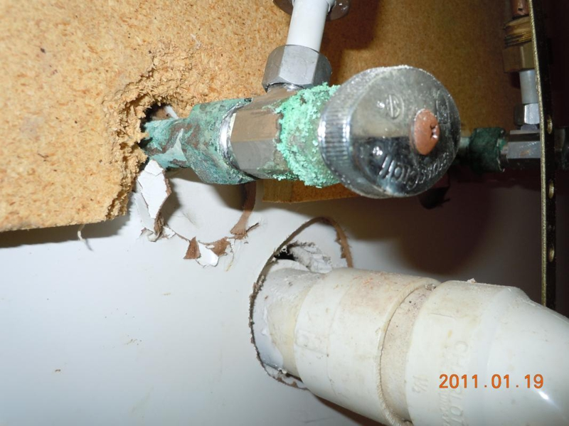 how to clean corroded copper pipes
