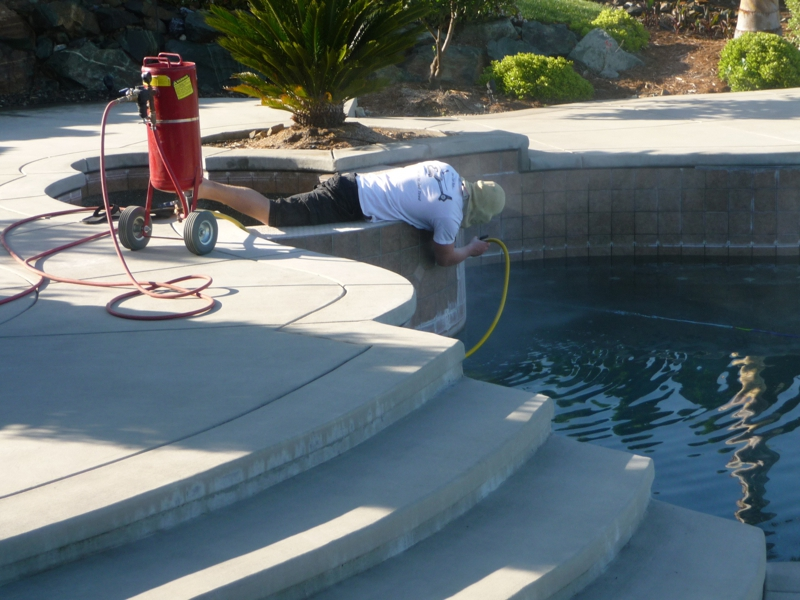 how to clean your pool tile