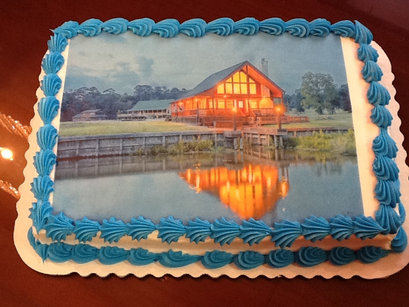 buyers cake 165 Wildwood Shores SOLD by Mari Montomery REALTY, Mari Montgomery Realty LOVES selling homes! Number ONE in single family home sales in Walker County, Huntsville TX Real Estate rocks!