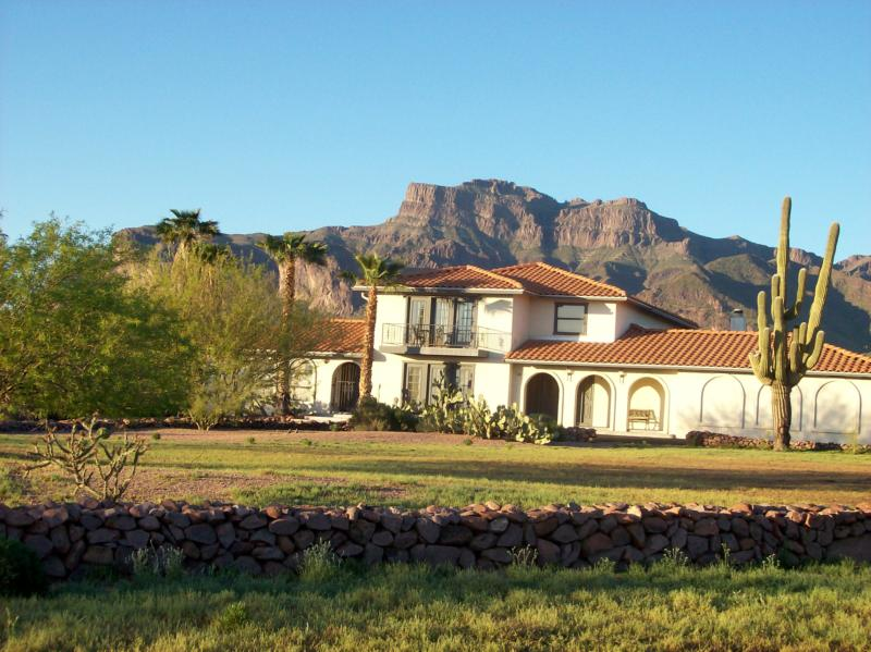 Great Spanish Colonial Home In Apache Junction With Views