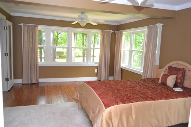 lake sinclair home master bedroom