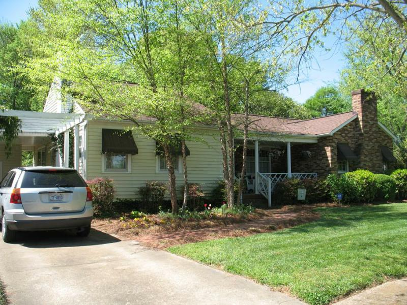 Open House! Charming 3 bedroom home near Charlotte!