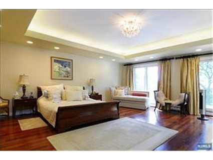 Cresskill NJ House for Sale Master Bedroom
