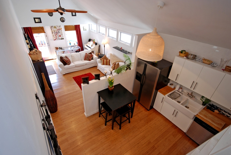 Superbe Long Beach, NY West End Bungalow Living Space