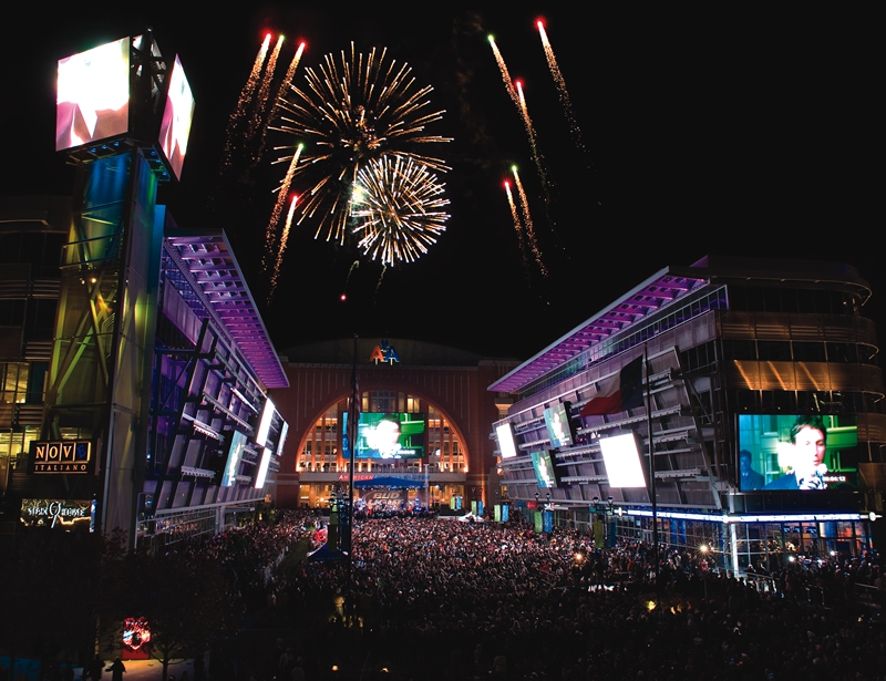 New Year S Eve Event Free Live Music Fireworks