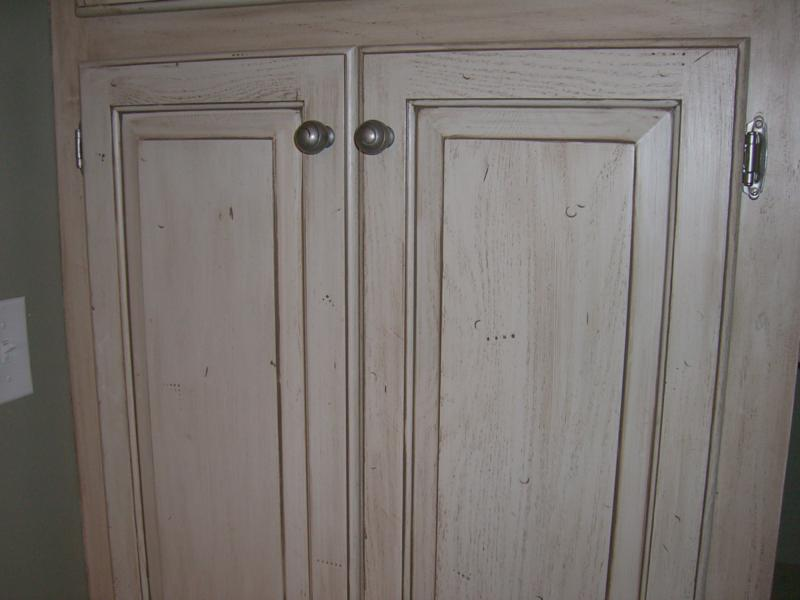 oak cabinets with a new glazed cabinets are beautiful