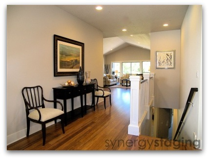 Entery staged by Synergy Staging in West Linn Oregon