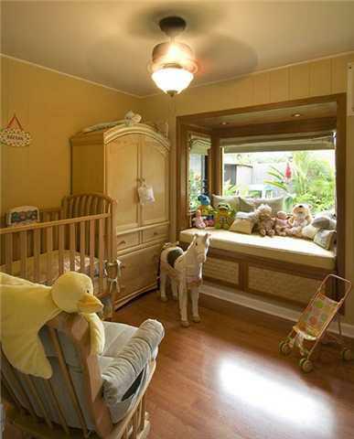 Adorable bedroom with Window Seat, Koolaupoku, Kailua, Oahu, Hawaii