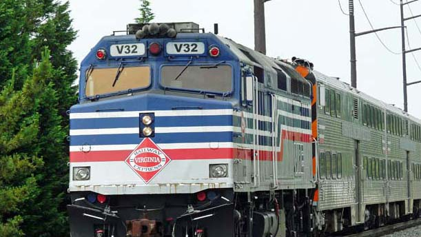 VRE commuter train in Woodbridge