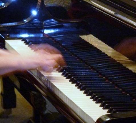 hands of pianist Erica Rome