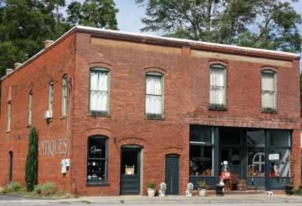 The Frosted Lion Antique Store in Bishop, GA by Michelle DeRepentigny, Broker of Success Realty