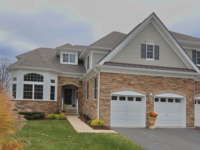 Bel air townhouse 4br 3 5 baths with first floor master for Townhomes with first floor master