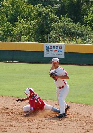 Kennon doing his part for a double play
