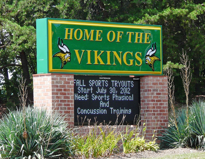 Woodbridge Senior High School Sign