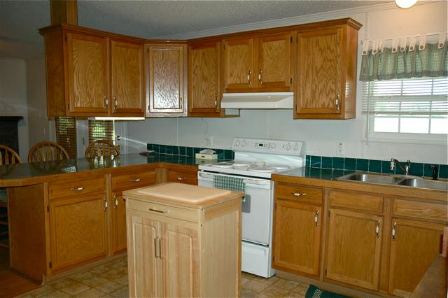 9725 Baudoin PVT road, Maurice, LA 70555 - Kitchen