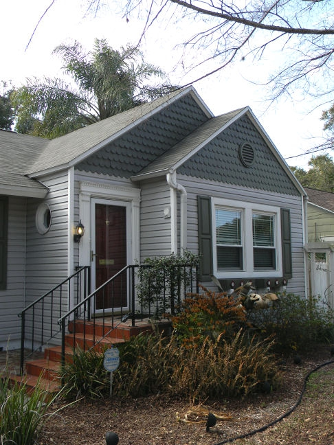 Norman rockwell curb appeal seminole heights for Norman rockwell siding