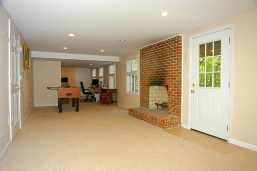 Move In Ready Brick Ranch Near Emory and CDC: 2883 Country Squire Lane Decatur GA 30033