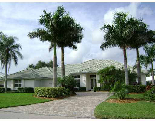 The Yacht and Country Club of Stuart, Florida Homes