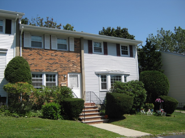 Country Village Heights Townhouses Spring Valley Ny