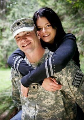 Army Couple - istockphoto