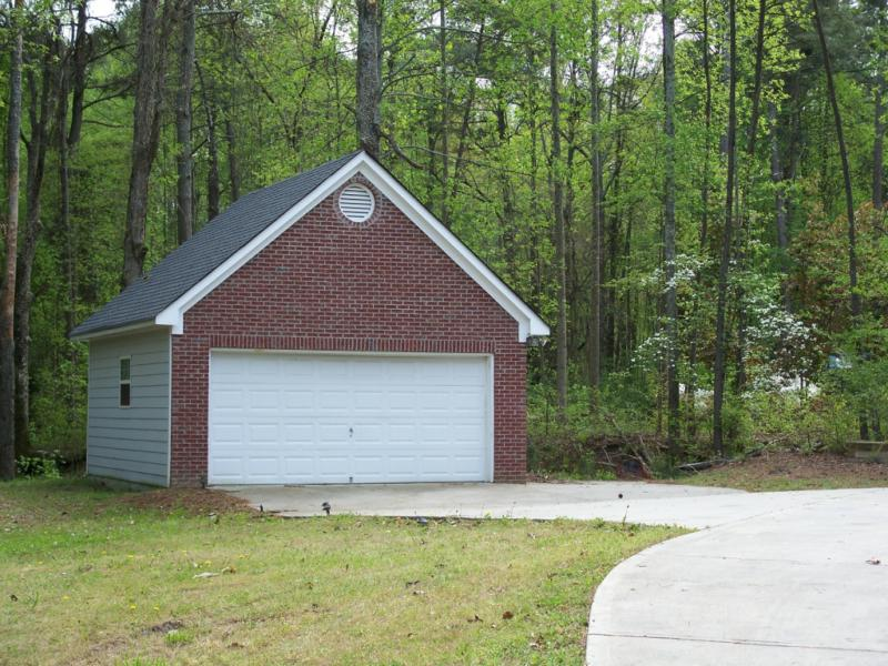 Gwinnett county home for sale 2 5 acres no subdivision for 2 car detached garage for sale