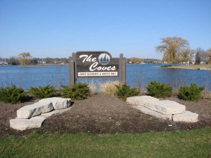 waterfront luxury properties in South Barrington