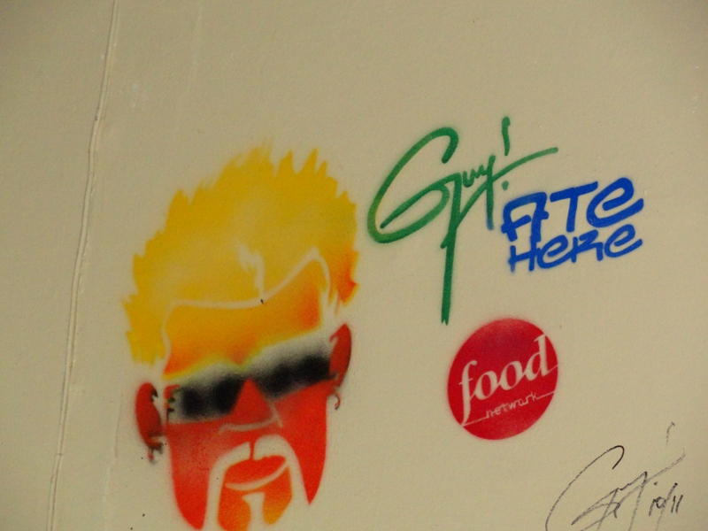 Food Network TV's Signature - Diners, Drive-In's and Dives