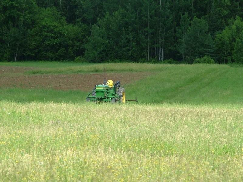 maine land, farm tractor